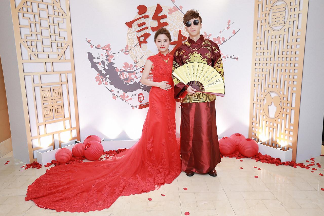 《台北婚攝》一抹笑,一身紅,洋溢的幸福感 / 台北國賓大飯店